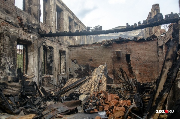 Сгоревшие дома разберут или снесут