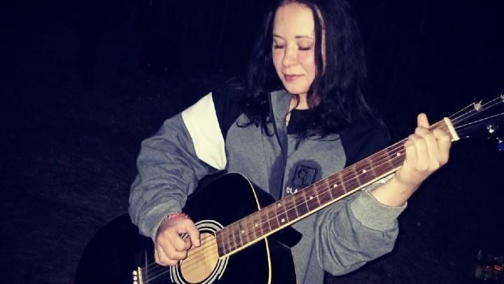 Приятель вокалистки рок-группы после ее убийства забрал из квартиры телевизор и сдал его в ломбард