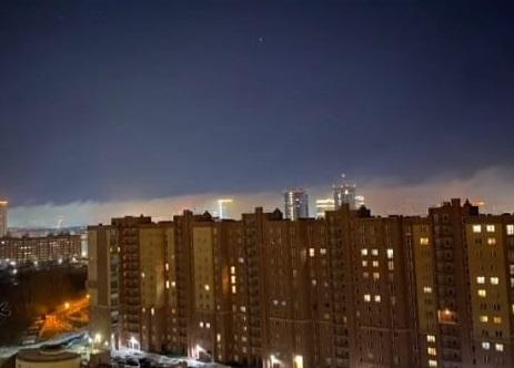 «Очень жутко»: на Новосибирск опустился густой ночной туман