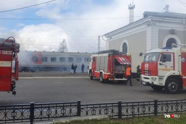 Проезд по площади у вокзала перекрыли