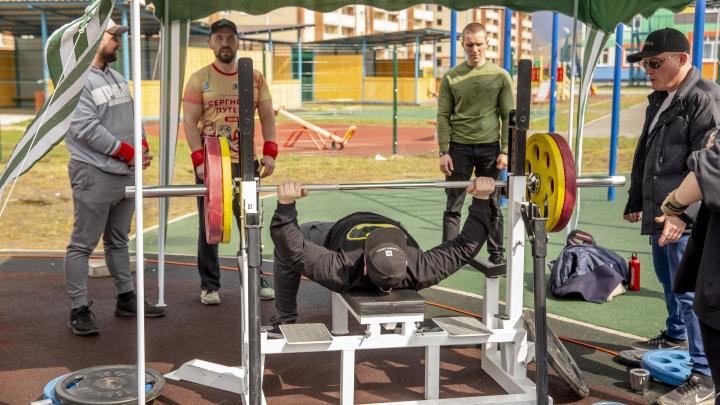 «Старт! Жим! Вес взят!»: спортсмены из Ярославля, Рыбинска и Костромы померились силами