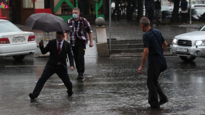 Город плывет: последствия ливня в Новосибирске