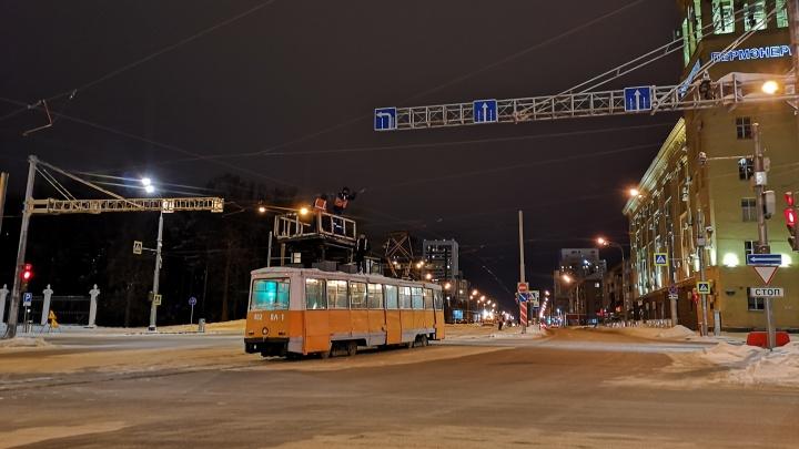 В Перми улицу Революции готовят к запуску трамваев. Видео