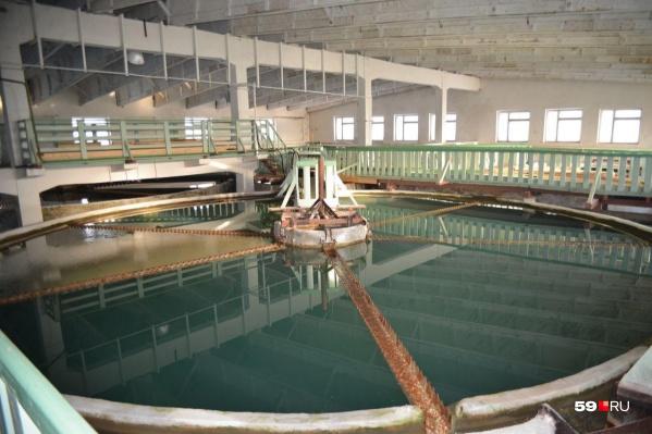 В таких резервуарах отстаивается вода