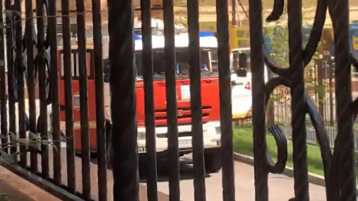 Высотку в «Красном Аксае» эвакуировали после звонка о бомбе