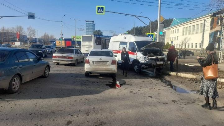 В Нефтекамске в ДТП попала машина скорой помощи, которая ехала на вызов