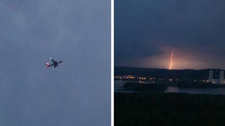 «Летят прямо над центром города, я думала, бомба!» Объясняем, почему самолеты низко летят над Екатеринбургом
