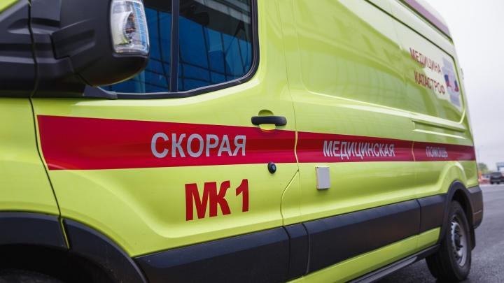 В Кузбассе на скорой почти в два раза меньше медиков, чем нужно. Власти рассказали, что будут делать