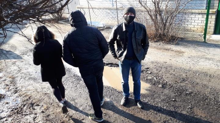 «Требуют 20 тысяч в месяц»: в Волгограде владелица приюта для бездомных животных заявила о вымогательстве