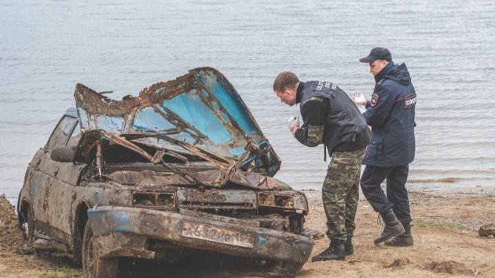 Семь лет под водой. Почему машину, утонувшую вместе с молодыми супругами, не могли поднять со дна реки с 2014 года