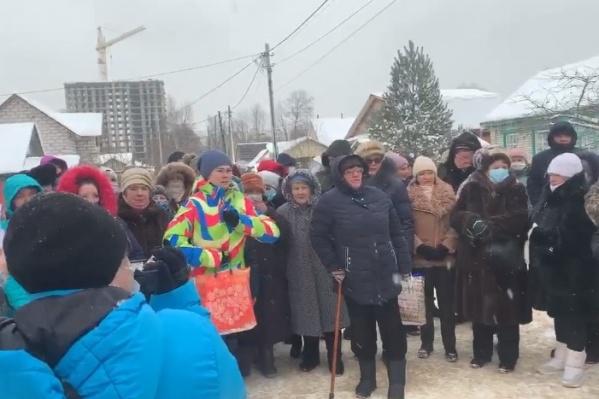 Местные жители сплотились и трубят на всех углах. Теперь обращаются к президенту