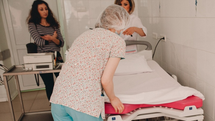 Тюменкам сообщили, что в женских консультациях их не примут без прививки. Разбираемся, что на самом деле