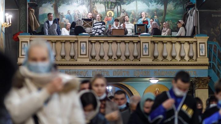 Плечом к плечу: показываем, как православные Волгограда встретили Рождество