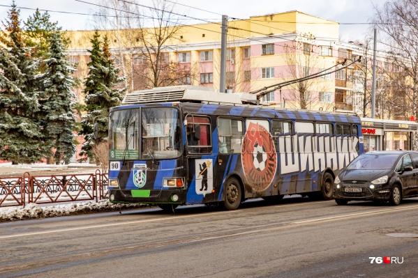 Троллейбусы переведут в депо на Ленинградском проспекте только к июню