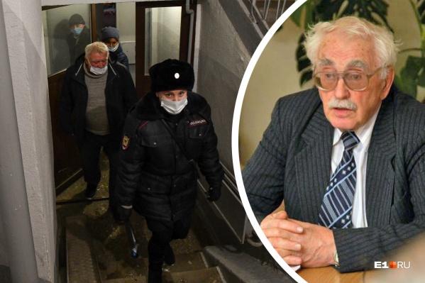Профессор, посвятивший полжизни развитию образования в России, оказался заперт в собственной квартире в Екатеринбурге