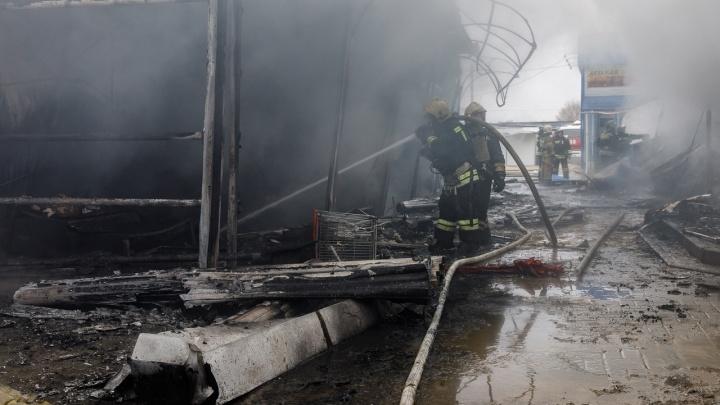 Погибшая при пожаре на Качинском рынке женщина торговала в сгоревшем павильоне