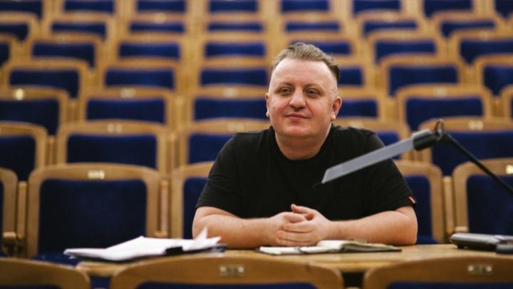 Семейный подряд: вслед за Лычкатой иск в суд на сургутский театр подал ее сын