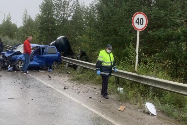 В Краснотурьинске водитель вылетел на встречку и врезался в ВАЗ
