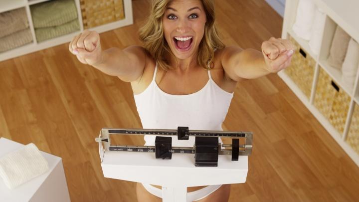 Праздники прошли — килограммы остались: как избавиться от лишнего веса к весне