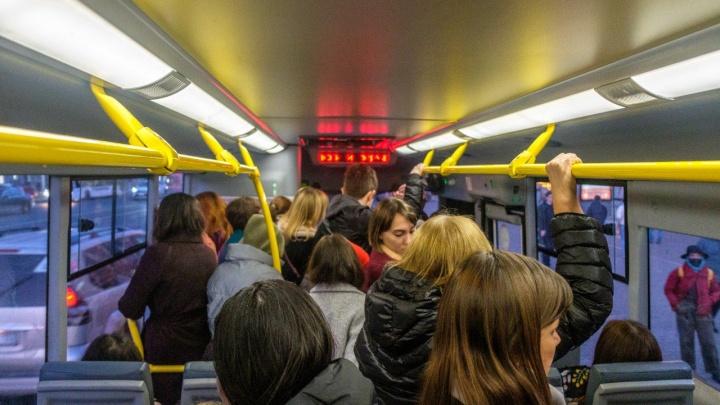 В «Башавтотрансе» прокомментировали давки в автобусах в разгар пандемии коронавируса