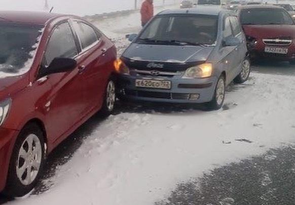 На трассе Уфа — Оренбург столкнулось 39 машин