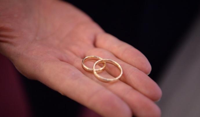 Кузбассовцы будут массово жениться на День шахтера и День семьи: изучаем данные ЗАГСа