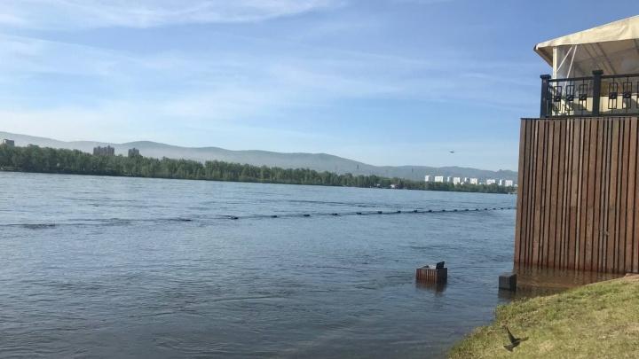 «Что будет при 8 тысячах кубов? Я не знаю»: мэр рассказал о ситуации с паводком в Красноярске