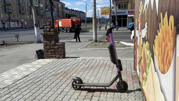 В Зауралье на пешеходном переходе сбили ребенка на самокате