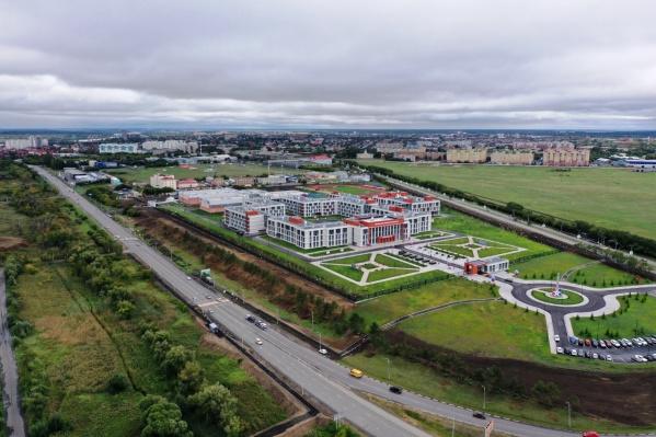 Мэр Омска Оксана Фадина назвала новый кадетский корпус «визитной карточкой воздушных ворот города»