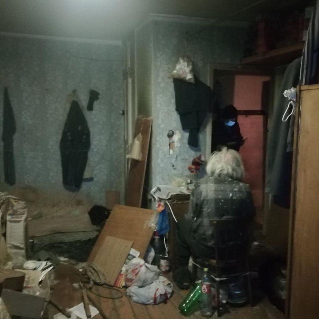 В «убитую» квартиру четыре месяца назад его вывез внук