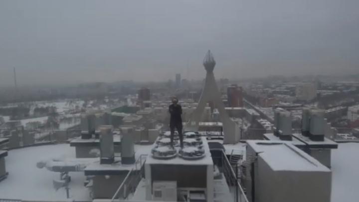 Новосибирец, покоривший небоскреб, поднялся на очередную высотку и показал Санкт-Петербург с высоты