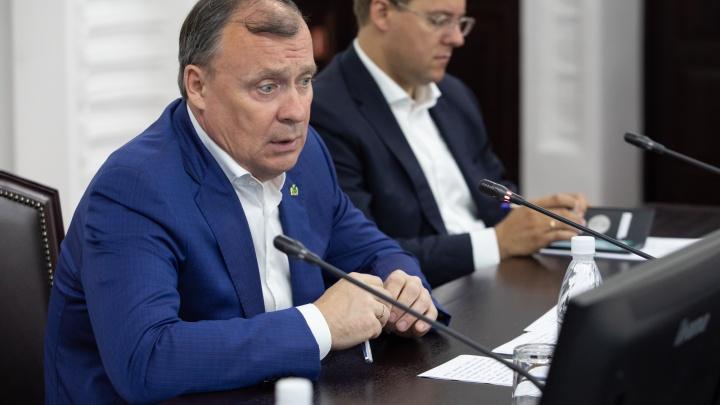 Мэр Екатеринбурга предложил использовать площадь 1905 года не как парковку
