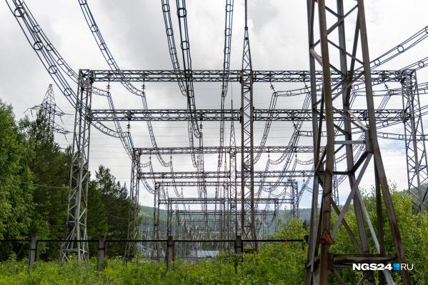 Васильев до сих пор руководит муниципальным предприятием электрических сетей