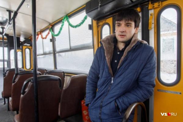 Дмитрий Бескровный дарит легендарным желтым автобусам вторую жизнь