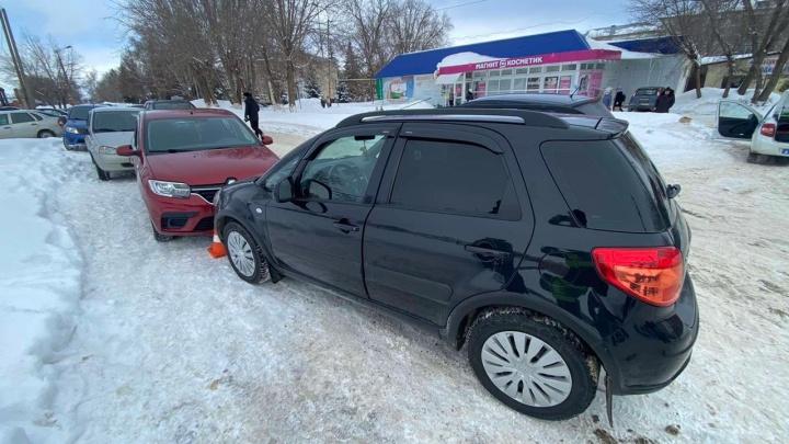 В Самарской области в автомобиле нашли труп мужчины