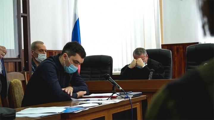 Отца директора фонда Навального этапировали из Ростова в Архангельскую область