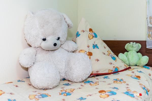 В палате за детьми присматривала больничная мама