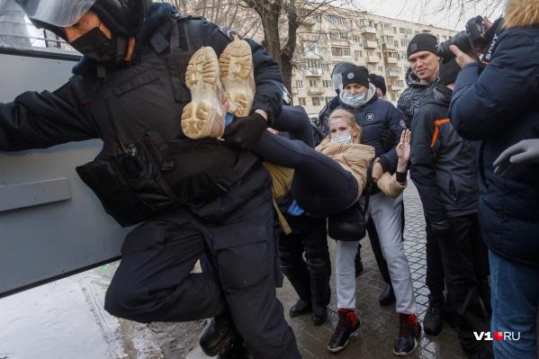 Полицейские задерживали самых активных участников