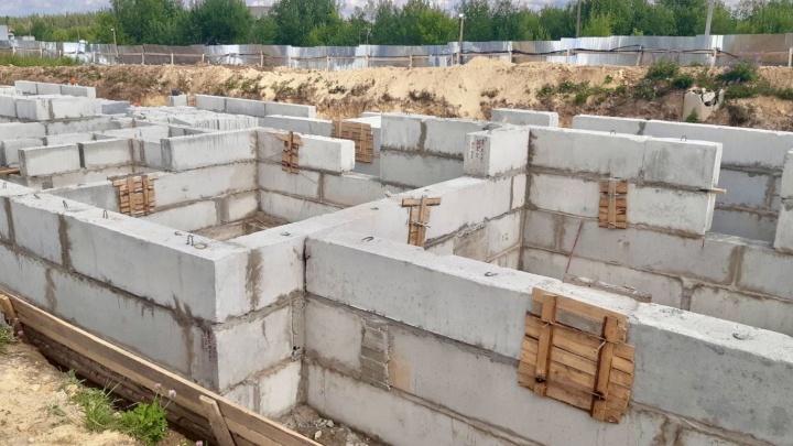 Теперь рост — только вверх: «Белый дом» планирует сдать социальный дом в Плесецке в срок