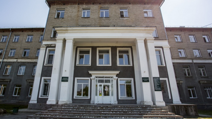 «Хорошо, что кровь из носа пошла, а не внутрь»: избитым в Новосибирске подросткам стало хуже