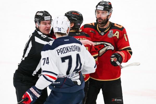 Николай Прохоркин и Илья Ковальчук решили помериться годами в НХЛ