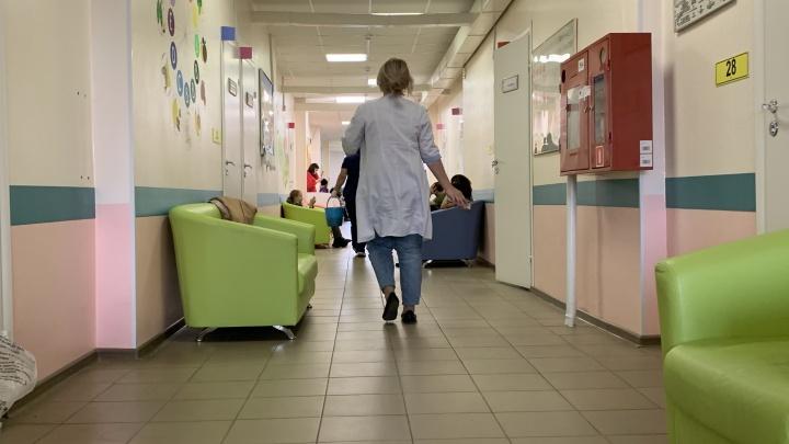 Занят 81% коечного фонда: глава депздрава ХМАО рассказал о росте заболеваемости