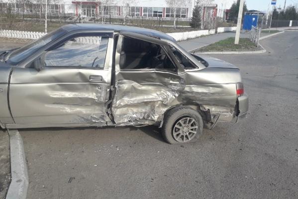 Священник на Mercedes уснул за рулем и выехал на встречную полосу