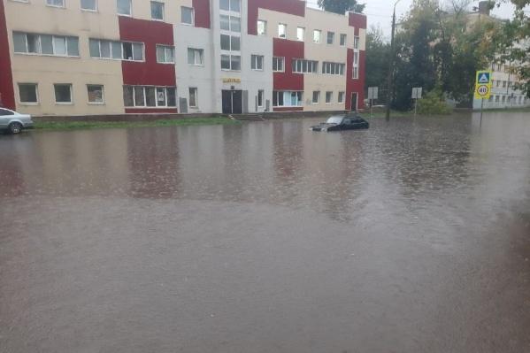 Улицу Рыкачева снова затопило