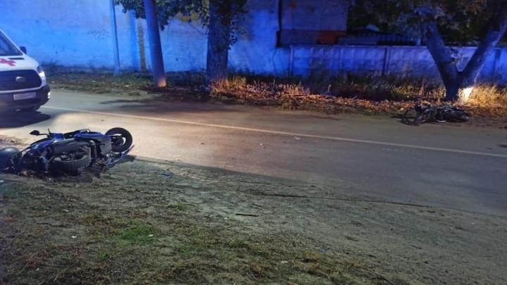 В Волгограде столкнулись мопед и скутер. Есть пострадавший