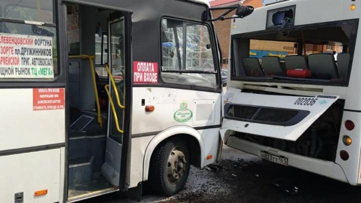 Два автобуса столкнулись на проспекте Стачки: пострадали 8 человек