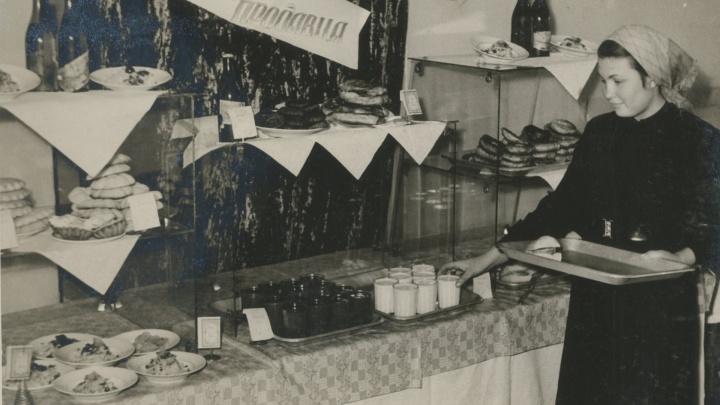 Шведский стол по-советски: как выглядела легендарная Фабрика-кухня изнутри