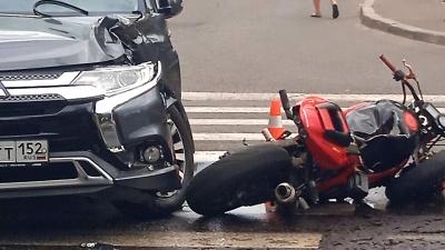 """Смертельное ДТП с <nobr class=""""_"""">19-летним</nobr> мотоциклистом в Сарове попало на видео"""