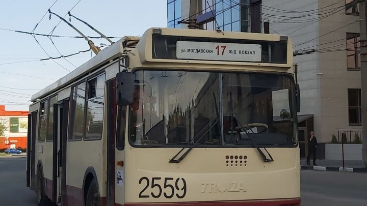 В Челябинске движение троллейбусов на вокзал закроют на все выходные