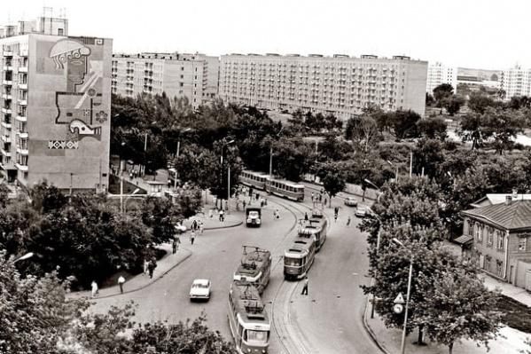 Посмотрите, как выглядел в 60-е годы перекресток улиц Осипенко и Ново-Садовая